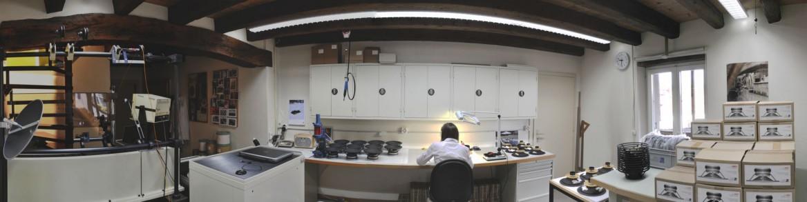 atelier de fabrication de haut-parleurs acoustique et de montage éléctronique